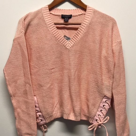 🌸Revamped pink cropped v neck sweater